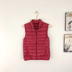 UNIQLO Ultra Light Down Packable Puffer Vest Red